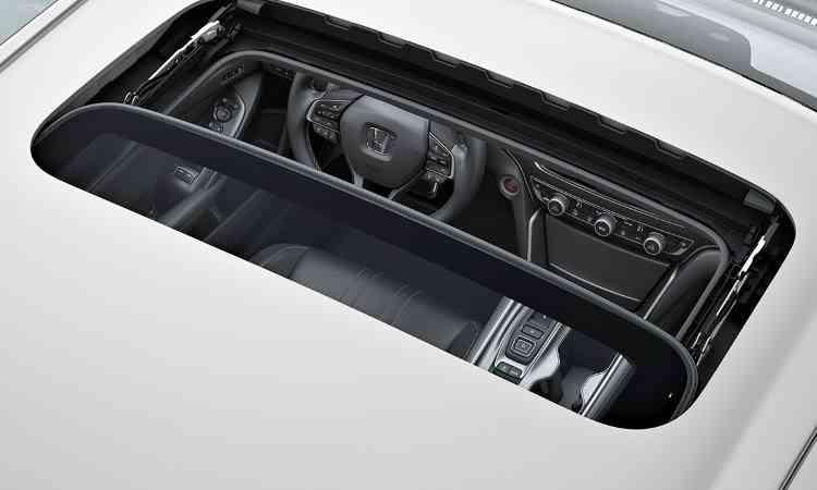 Modelo é vendido em versão única Touring, que traz teto solar de série - Honda/Divulgação