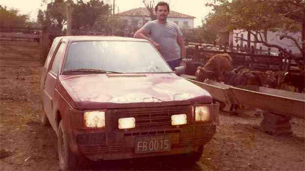 Daniel foi o primeiro a dirigir o protótipo do Uno, que ficava escondido e rodava com frente de 147 - Arquivo Pessoal