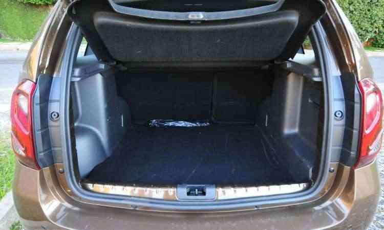 O porta-malas tem 475 litros de volume, capacidade maior do que os principais concorrentes - Gladyston Rodrigues/EM/D.A Press