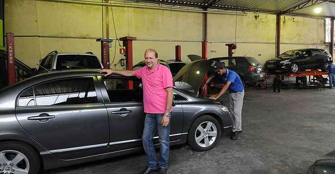 À frente da Mecânica Grão Mogol, Gilmar Fadel diz que bom atendimento e serviço de qualidade são essenciais. Do contrário, empresário está fadado ao fracasso(foto: Jair Amaral/EM/D.A Press)