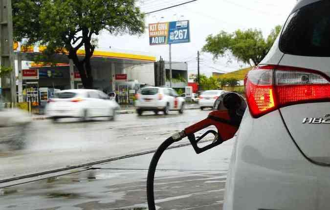 Rodar com o tanque sempre na reserva é um erro(foto: Shilton Araujo/Esp.DP)