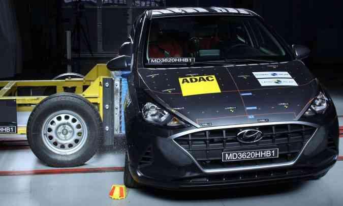 O Hyundai HB20 teve a nota rebaixada no teste de segurança do LatinNCAP, principalmente no impacto lateral... (foto: LatinNCAP/Divulgação)