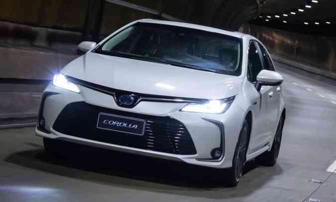 Toyota Corolla 2020 ganhou novo visual, nova motorização e versão híbrida flex(foto: Toyota/Divulgação)