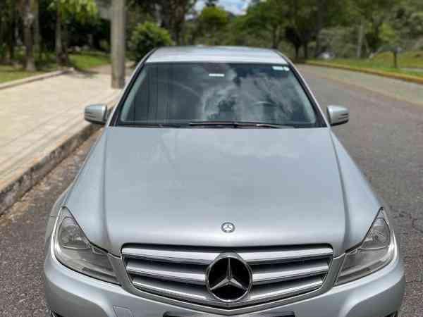 Mercedes-benz C-180 Cgi Classic 1.8 16v 156cv Aut. 2012 R$ 53.000,00 MG VRUM