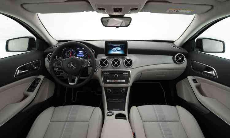 No interior não foram feitas modificações significativas, mas o padrão de qualidade foi mantido - Malagrine Estúdio/Mercedes-Benz/Divulgação