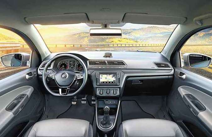 Por dentro, a versão Cross tem painel novo e muita tecnologia(foto: Volkswagen / Divulgação )