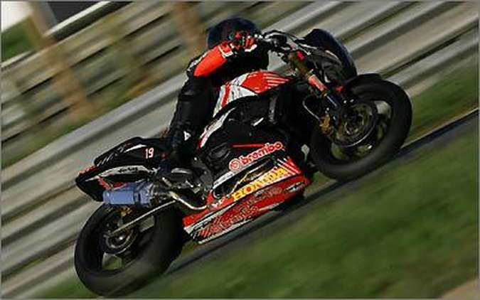 Com poucas alterações, a categoria Hornet nivela o nível das motos na competição