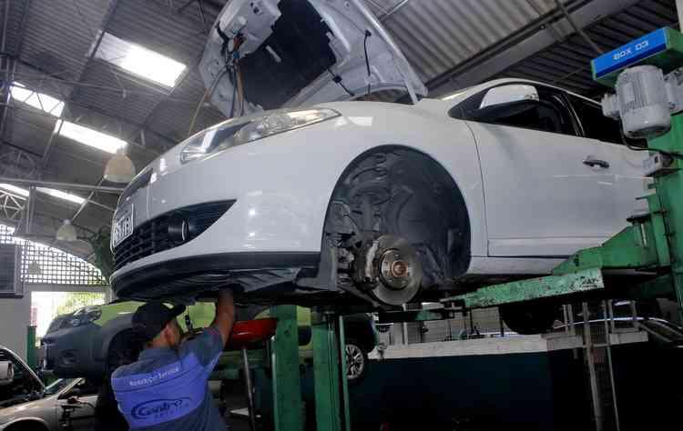 Comprar um carro que esteja saindo do mercado pode gerar condições mais em conta  - Thalyta Tavares/Esp.DP