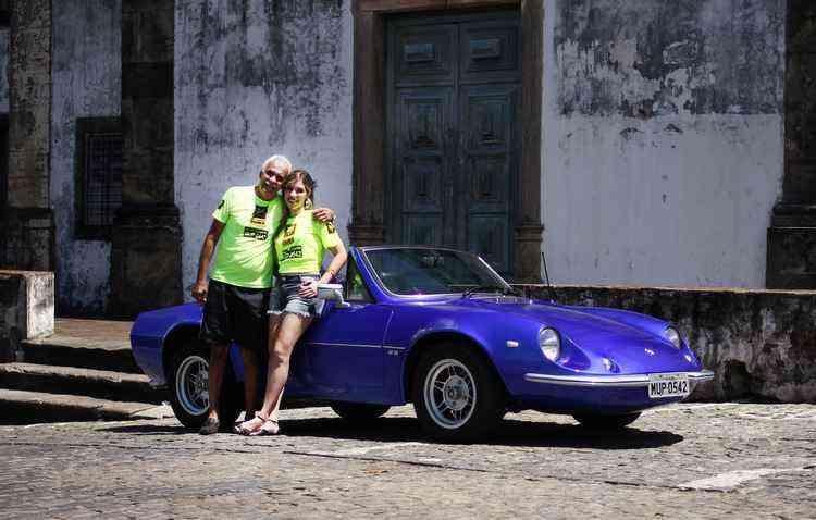 Walter e Wendy fortalecem juntos, há muito, a afinidade pelo Puma GTS 1978 - Marlon Diego / Esp DP