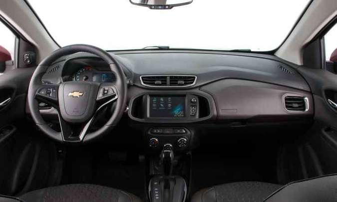 Todas as versões do Onix agora contam com direção de assistência elétrica, além de opção pelo OnStar(foto: General Motors/Divulgação)