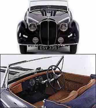 Frente apresenta detalhes cromados e grande forma ovalada, que se tornou referência nos modelos da marca. Interior tem acabamento sofisticado e volante de quatro raios