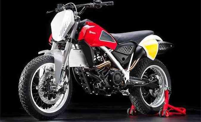 O estilo é inspirado no modelo H400 usado por Steve McQueen(foto: Fotos: HUSQVARNA/Divulgação)