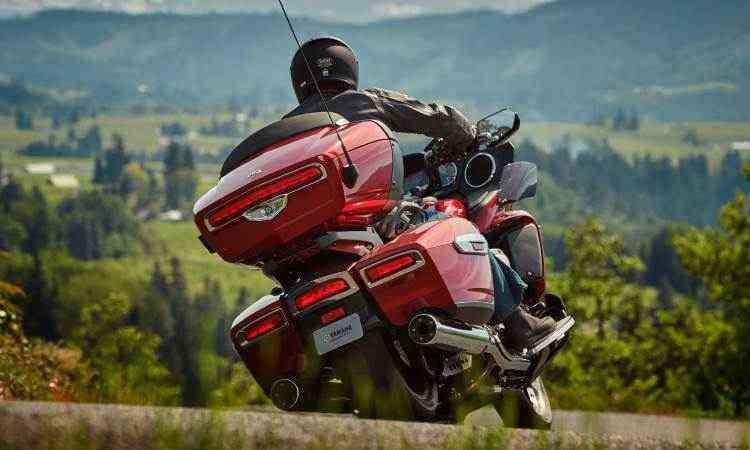 Os freios são ABS com sistema de distribuição de frenagem - Yamaha/Divulgação