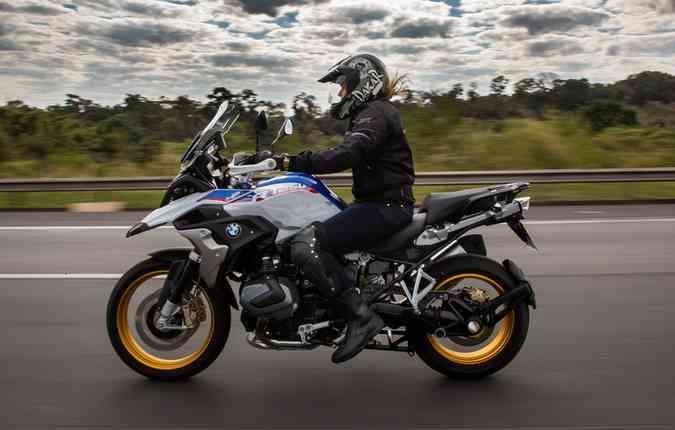 Mudança na motorização fez a max trail aumentar as cilindradas em 54cc, totalizando 1254cc. Foto: BMW / Divulgação