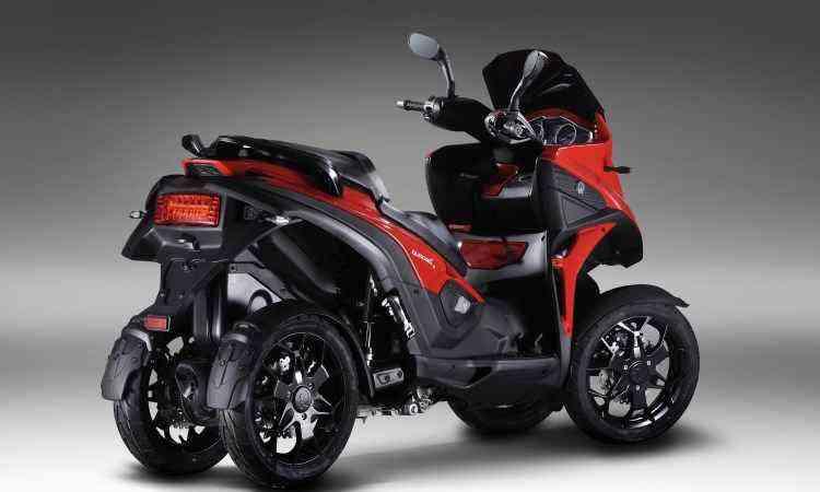 Cada roda tem um disco de freio, aumentando o poder de frenagem - Quadro Vehicles/Divulgação