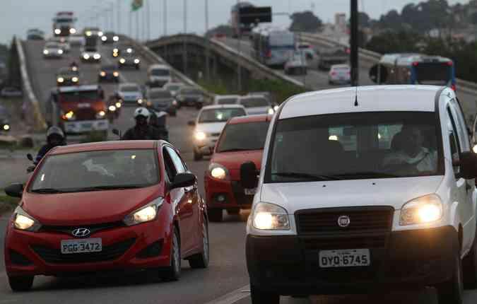 Brasil possui mais de 51 milhões de veículos; 8 milhões circulam apenas com o motorista. Foto: Rafael Martins/ Esp. DP(foto: Rafael Martins/ Esp. DP)
