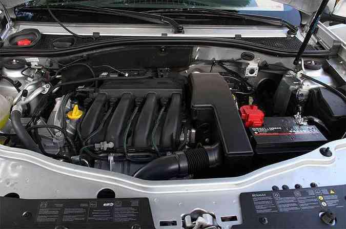 Motor 1.6 não decepciona, mas ultrapassagens exigem mais tempo(foto: Marlos Ney Vidal/EM/D.A Press)
