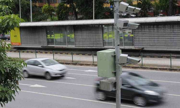 Com o advento dos radares, excesso de velocidade passou a ocupar primeiro lugar no ranking das infrações - Gladyston Rodrigues/EM/DA Press