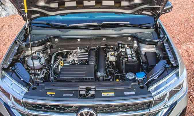 O motor 1.4 turbo não é o mais potente do segmento, mas garante desempenho satisfatório(foto: Jorge Lopes/EM/D.A Press)