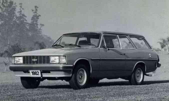 Perua Comodoro 1982 traz as novas linhas, lançadas em 1980(foto: Chevrolet/Divulgação)