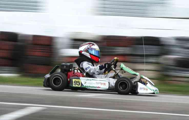 A paixão do piloto por veículos só fez crescer com o passar do tempo - Marlon Diego / Esp DP