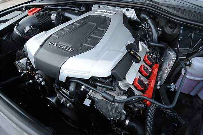 Motor não é um exemplo de plasticidade, mas o V6 da Audi encanta(foto: Euler Junior/EM/D.A Press)