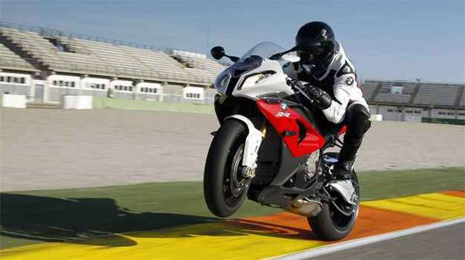 Relação peso x potência é de aproximadamente 1 cv para cada quilo (foto: BMW/Divulgação)