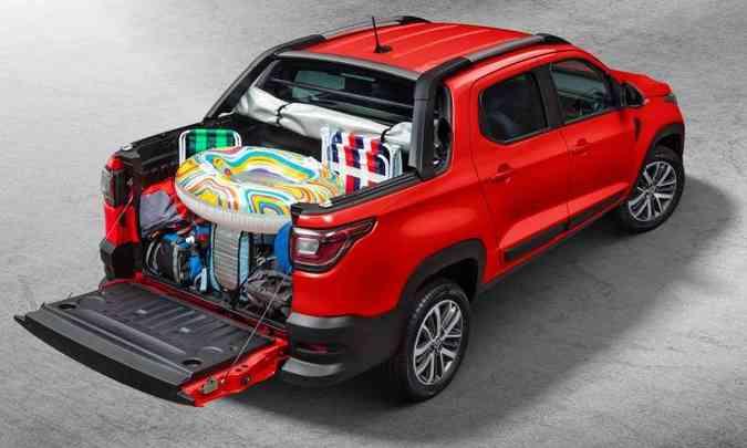 Com a carroceria cabine dupla, a capacidade de carga da caçamba é de 650 quilos, considerando ocupantes e carga (foto: Fiat/Divulgação)