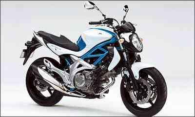 O motor, com dois cilindros em V, é o mesmo dos modelos V-Strom 650 e SV 650 - Fotos: Suzuki/Divulgação