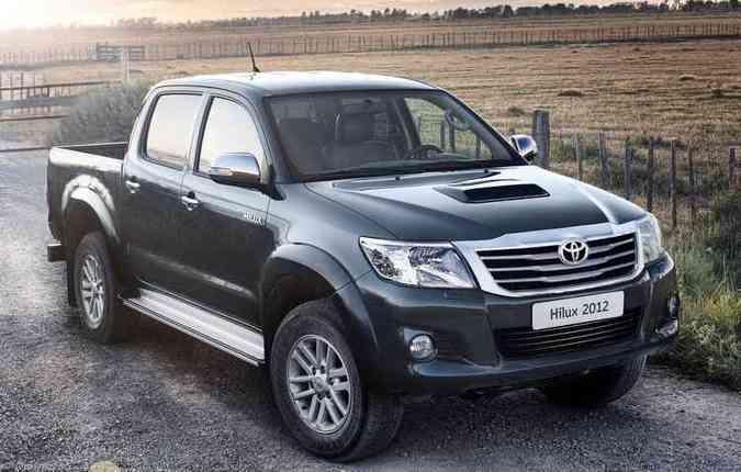 Hilux, produzida entre 2011 e 2014, é um dos modelos convocados (foto: Toyota/Divulgação)