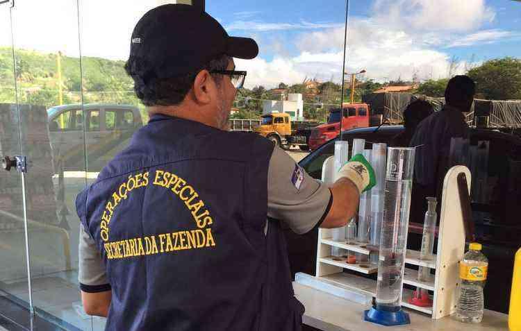 Secretaria da Fazenda do Estado de Pernambuco (Sefaz-PE), junto à Agência Nacional de Petróleo, Gás Natural e Biocombustíveis (ANP), realizou inspeções em 390 postos do estado - Sefaz/divulgação