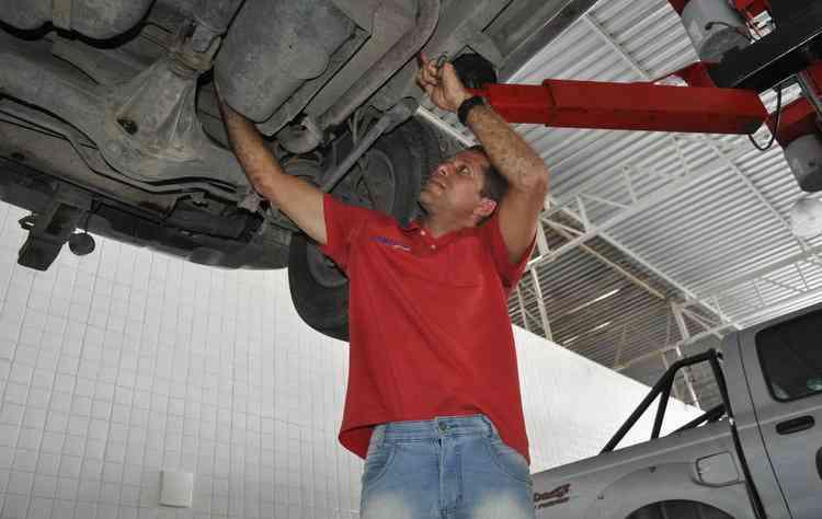 Berisson Marcionilo alerta que qualquer sinal estranho que o carro apresente deve-se recorrer à uma oficina  - Gustavo Carvalho / Esp. DP