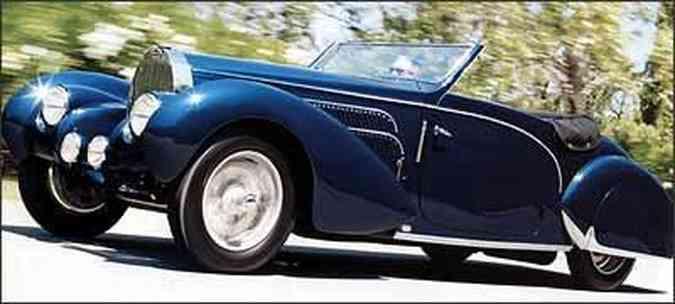 Belo automóvel foi construído em 1938. com carroceria Gangloff: depois de passar por processo de restauração, recuperou características originais(foto: Fotos: Gooding & Company/Reprodução)