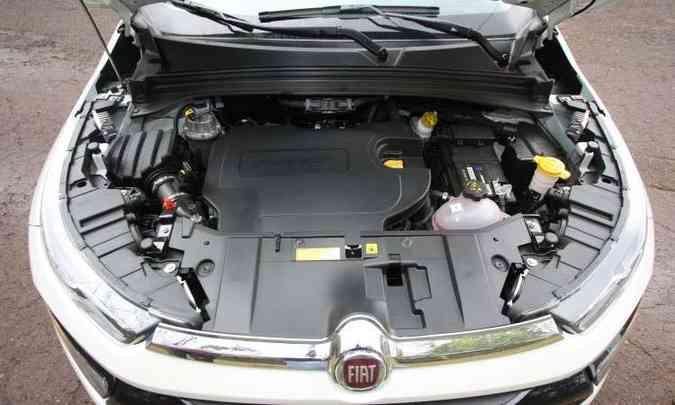 O motor 2.0 a diesel tem bom torque e fica mais bravo depois das 2.000rpm(foto: Edésio Ferreira/EM/D.A Press)