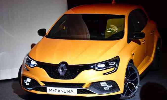A Renault destaca o novo Mégane RS com motor 1.8 turbo de 280cv, que não vem para o Brasil(foto: Tobias Schwarz/AFP)