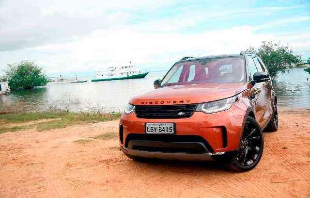 As máquinas chegaram em quatro diferentes versões: SE (R$ 363 mil), HSE (R$ 389 mil), HSE Luxury (R$ 429 mil) e a edição limitada, First Edition (R$ 469 mil), que oferece apenas 55 unidades - Land Rover/Divulgação