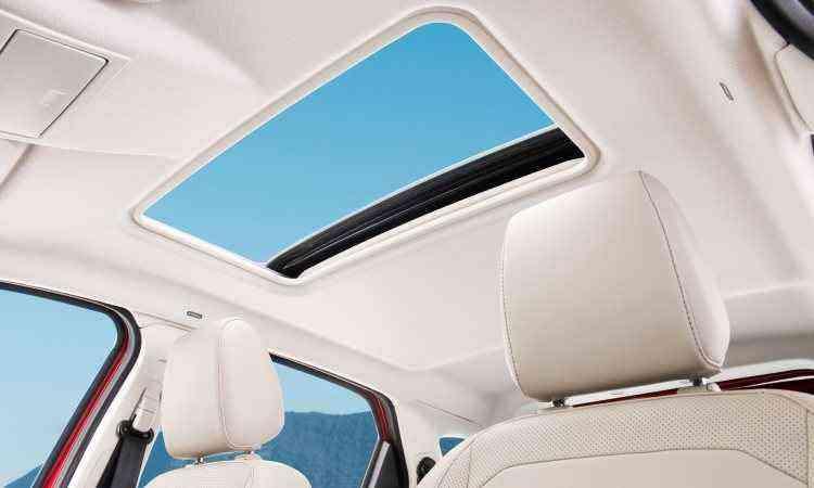 Teto solar é exclusivo da versão Titanium - Ford/Divulgação