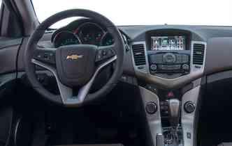 Central multimídia é um item de série no Cruze. Foto: Chevrolet / Divulgação