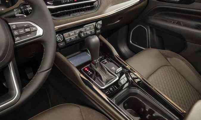 O motor turbodiesel atua em conjunto com o câmbio automático de nove velocidades(foto: Jeep/Divulgação)