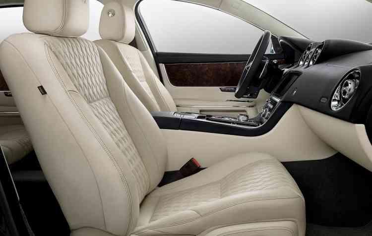 Na parte interna os assentos são acolchoados. Foto: Jaguar Land Rover / Divulgação -