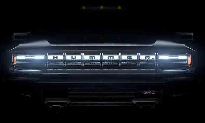 Teaser com a dianteira da nova picape GMC Hummer EV(foto: GM/Divulgação)