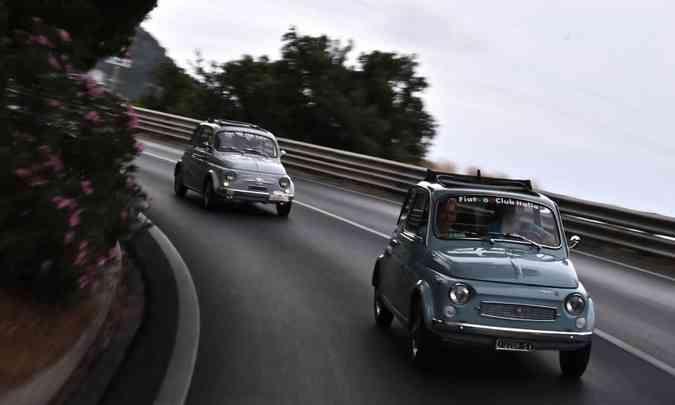 Participaram do encontro proprietários de Fiat 500 de 22 países(foto: Marco Bertorello/AFP)