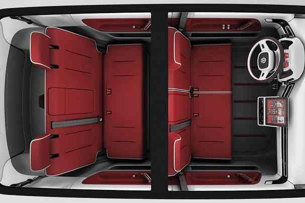 Com estilo retrô, minivan é equipada com motor elétrico que rende 115 cavalos e velocidade máxima de 140 km/h
