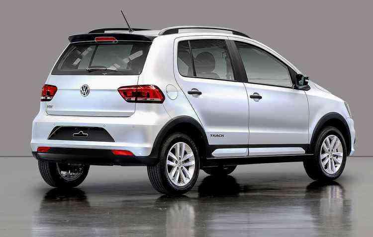 Versões Highline, Pepper e CrossFox receberam assistente de partida em rampas, controle eletrônico de estabilidade e câmera traseira como itens de série - Volkswagen / Divulgação