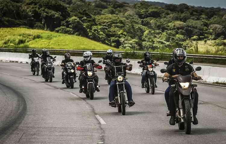 Viagens são realizadas em grupo seguindo o mesmo esquema de segurança da PF. Foto: Paulo Paiva / ECMM -