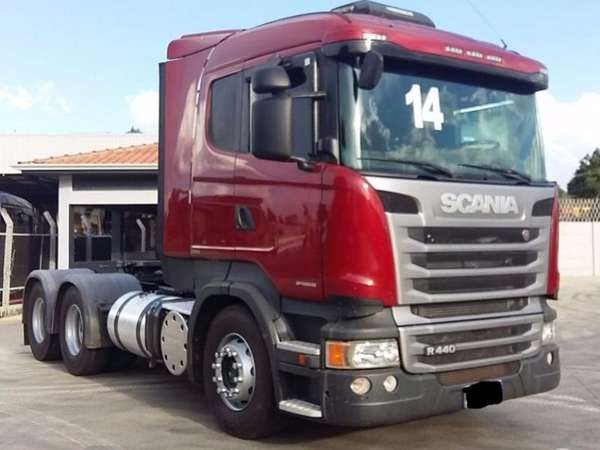 Scania R-440 a 4x2 Hig. 3-e./a 6x2  (die.) (e5) 2014 R$ 310.000,00 MG VRUM