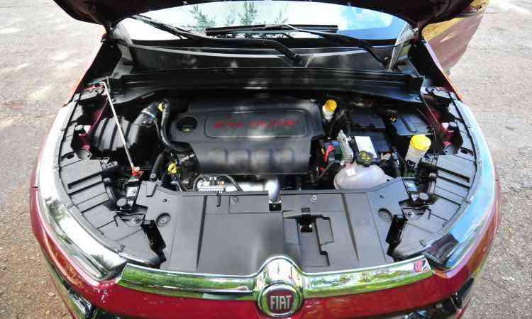 O motor 2.4 litros tem 186cv e 24,9kgfm de torque quando alimentado com etanol - Alexandre Guzanshe/EM/D.A Press