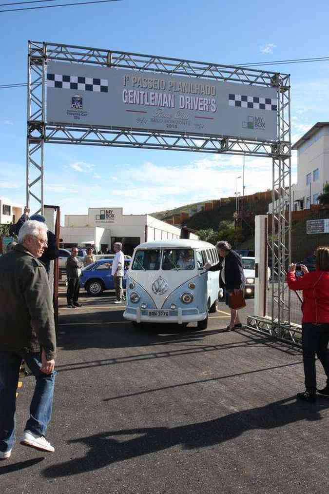 Encontro de carros antigos no bairro Olhos D'Água, em BHEdésio Ferreira / EM / D.A Press