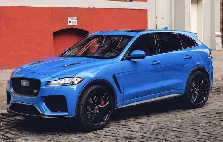 Novidade conta com motor V8 5.0 de 550 cavalos. Foto: Jaguar / Divulgação -