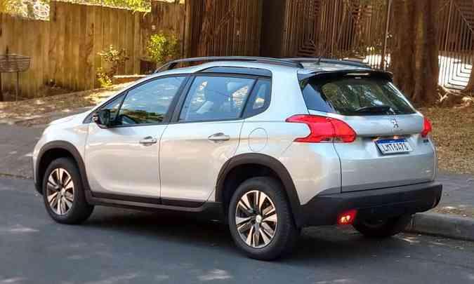 SUV compacto ganhou molduras nas caixas de roda(foto: Pedro Cerqueira/EM/D.A PRESS )